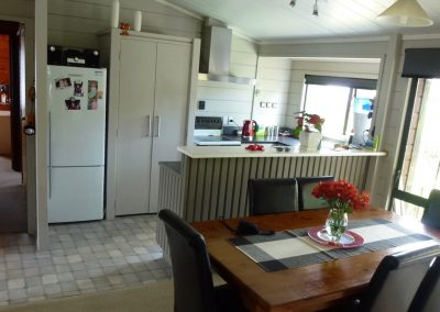 Orewa Motor Lodge Large kitchen